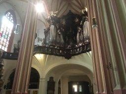 54-Onderaanzicht orgel