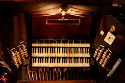 69-Union-Chapel-speeltafel-orgel